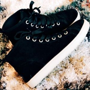 Black high tops size 6.5